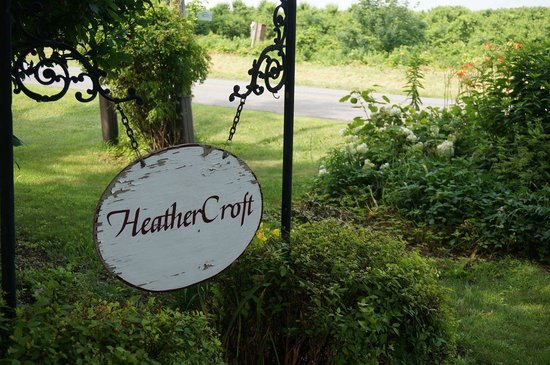 Heather Croft : Welcoming sign.