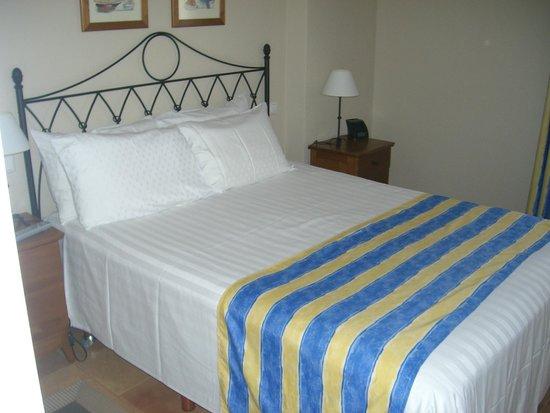 Los Amigos Beach Club : bedroom