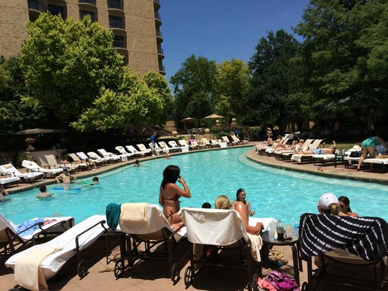 Four Seasons Resort and Club Dallas at Las Colinas: Great time at the pools