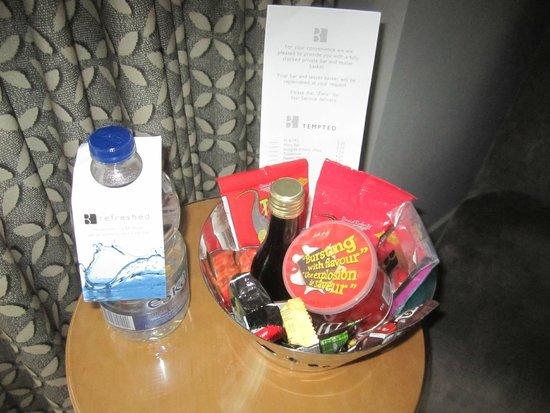 Brookstreet Hotel: My snacks