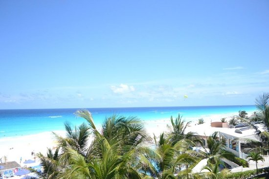 Golden Parnassus All Inclusive Resort & Spa Cancun : beach