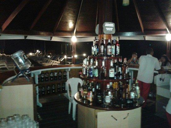 Decameron Marazul: Bar del muelle