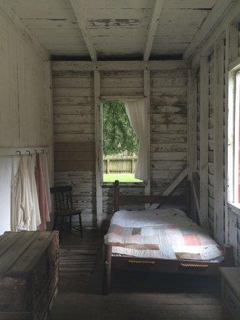 Middleton Place: Slave Cabin Bedroom