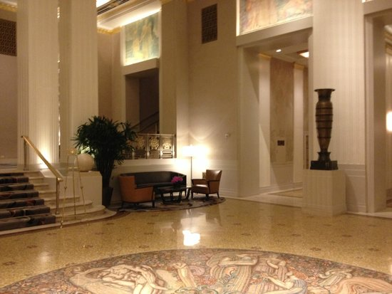 Waldorf Astoria New York : Refurbished lobby 2