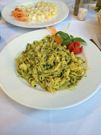 Ai Quattro Venti: pesto and gnocchi