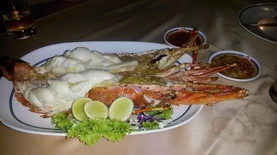 Savoey Restaurant : 1kg lobster very yummy
