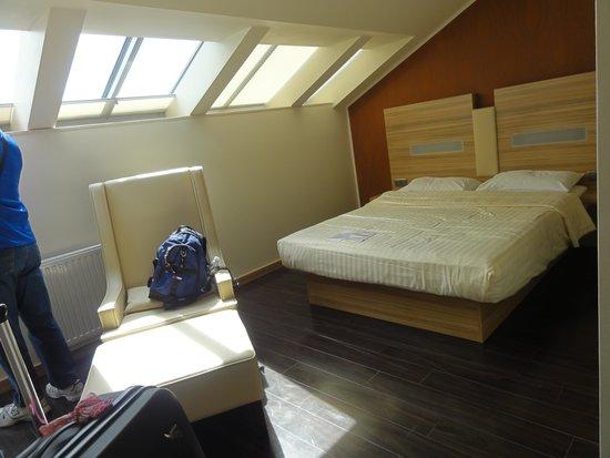 Star Inn Hotel Salzburg Gablerbrau: Our room