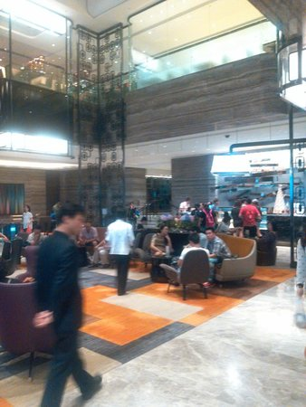 Royal Plaza Hotel: lobby
