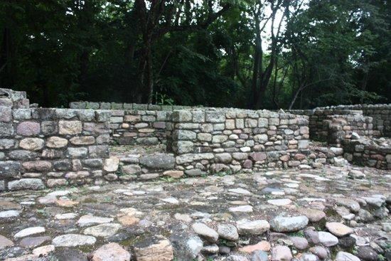 Les Ruines de Copan : Houses in Las Sepulturas