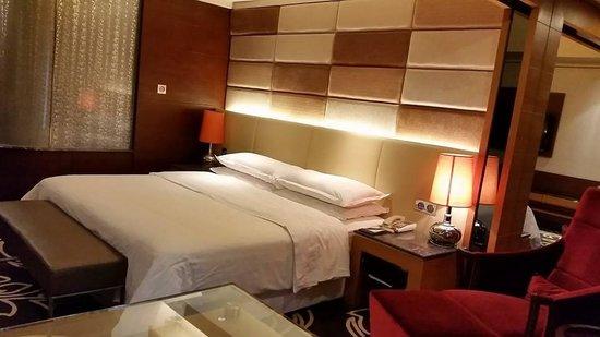 Sheraton Shunde Hotel: room
