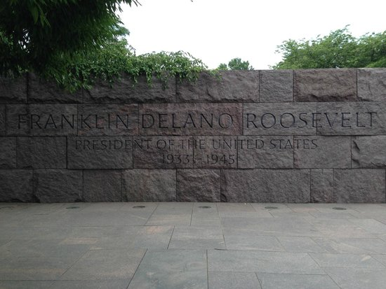 Franklin Delano Roosevelt Memorial : The entrance to the memorial.