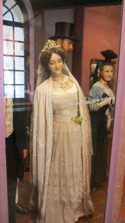 Musee de la Vie Bourguignonne: Burgundian Bride