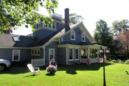 The Dawson House: The house