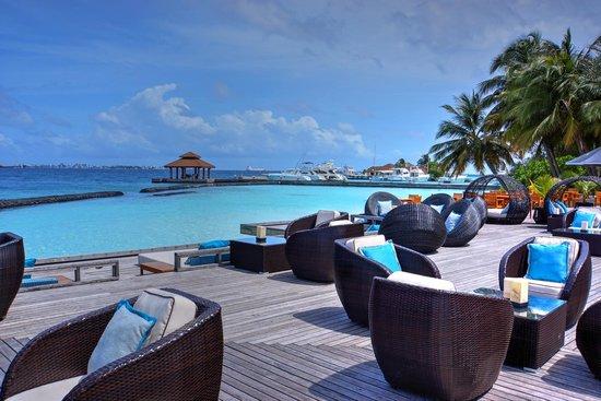 Kurumba Maldives : the Main Bar area.....so perfect.