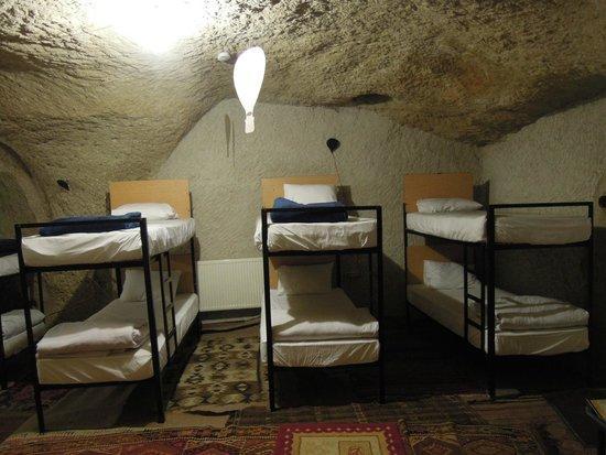 Pilot Inn: 洞穴房間