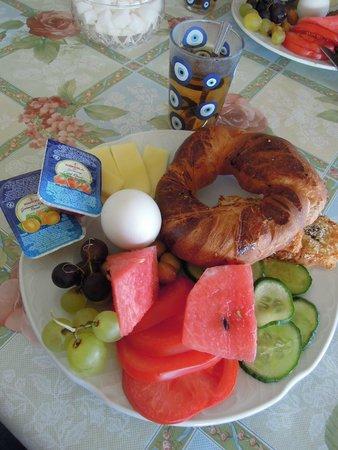 Pilot Inn: 豐盛新鮮的早餐