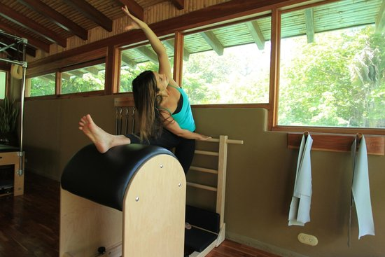 Florblanca - Pilates: Ladder Barrel Stretches