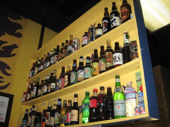 Lupi's Pizza Pies: Beer selection