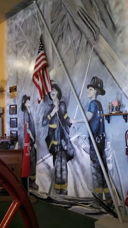 Dobson Antique Toy and Firehouse Museum: Mural