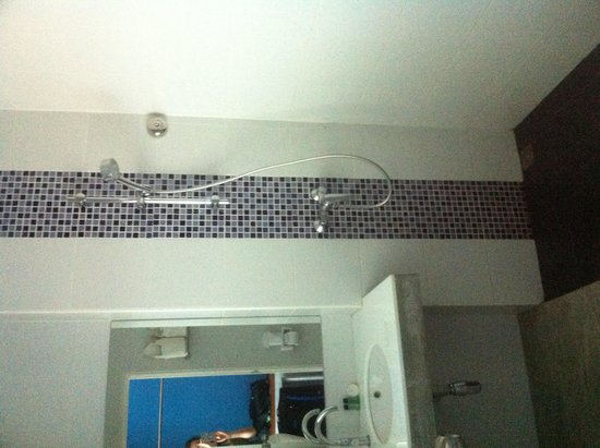 Thalassa Hotel : bathroom