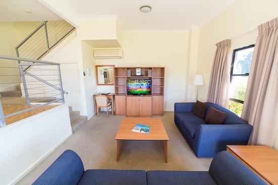 Peninsula Nelson Bay: Two Bedroom Living Room