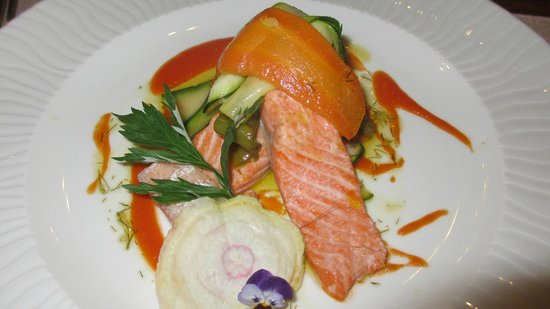 Auberge La Beursaudiere : Layered trout and vegetable starter