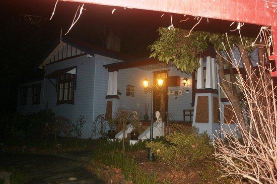 Kubba Roonga Guesthouse: Kubba Roonga at night