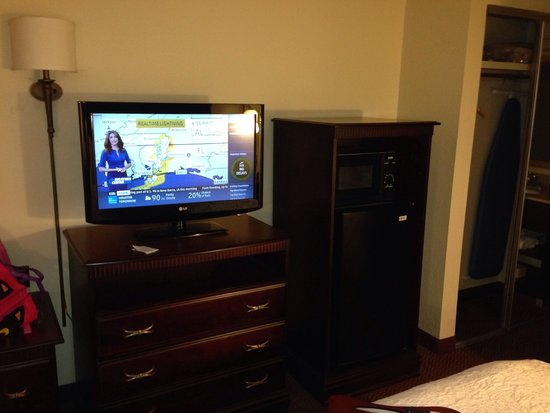 Hampton Inn & Suites Tupelo/Barnes Crossing: TV