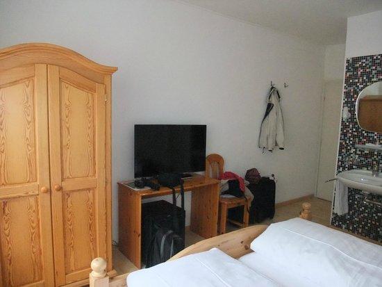 Hotel Drei Konige: TV