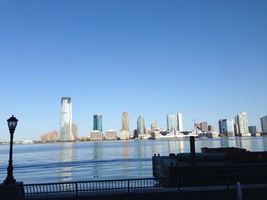 Conrad New York: パッテリーパークからの景色