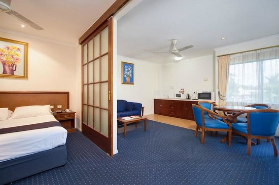 Cairns Southside International Spa Suite