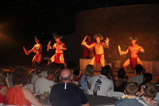 The Grand Luau at Honua'ula: dancde