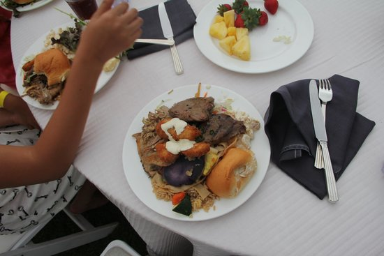 The Grand Luau at Honua'ula : foood