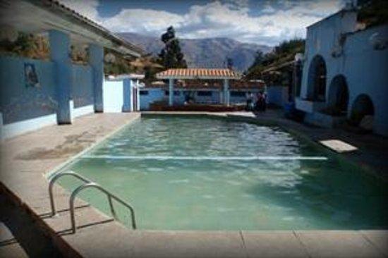 Foto de puente grau arequipa piscina aguas termales for Piscina 5 metros diametro