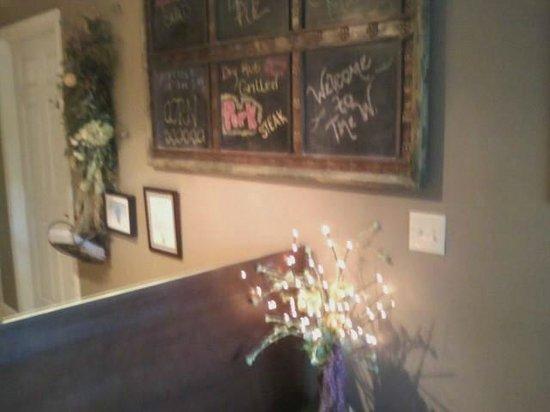 the W Restaurant: Front desk.