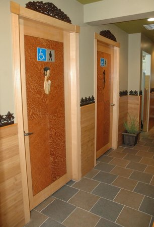 Benja Thai Restaurant: Washroom