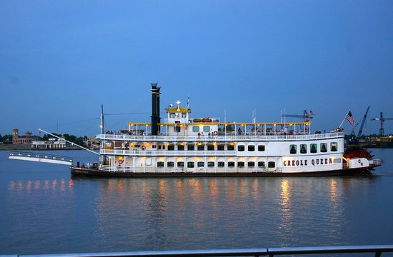 Royal Sonesta New Orleans: Dinner Cruises on Paddlewheel boats