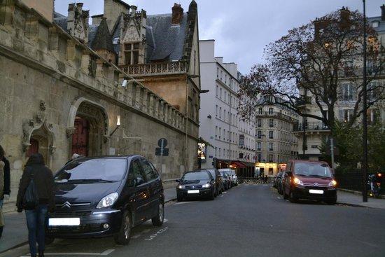 Mercure Paris Notre Dame Saint Germain des Pres: White building--front of hotel