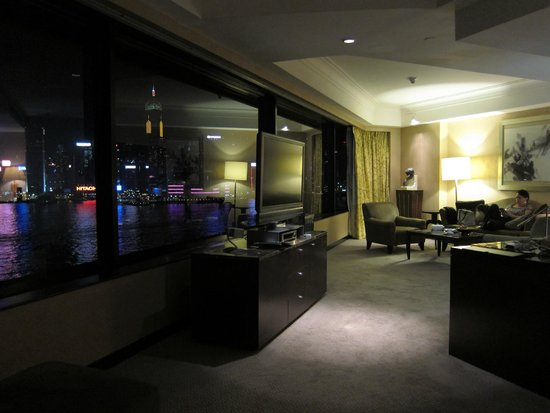 InterContinental Hong Kong : Sofa (on the right) was very comfortable