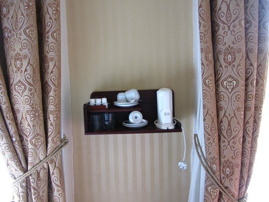 Stauntons on the Green: wall-mounted tea & coffee station