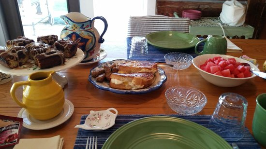 Thomas Mott Homestead: Breakfast
