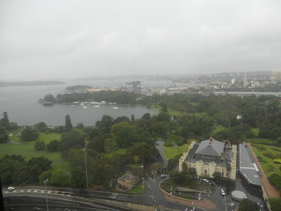InterContinental Sydney : View from Eastern Harbour view room on a rainy day