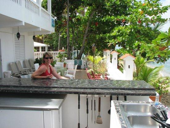 Coconut Palms Inn : Kitchen Area