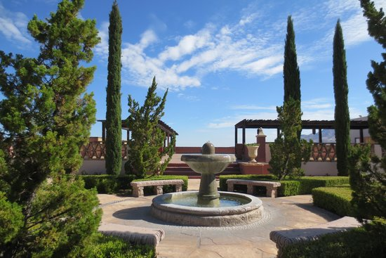 Esplendor Resort at Rio Rico: Fountain