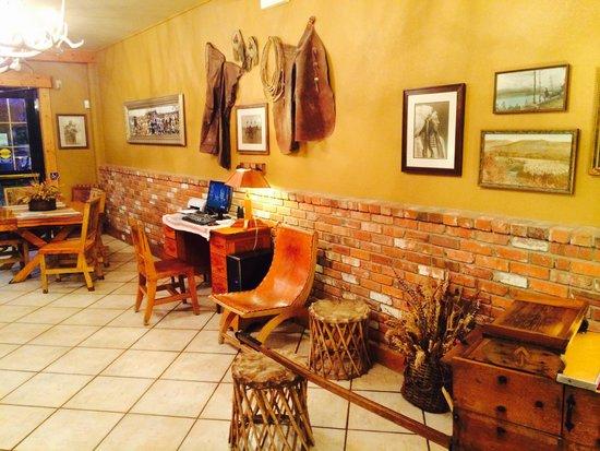 Mill Inn: The lobby