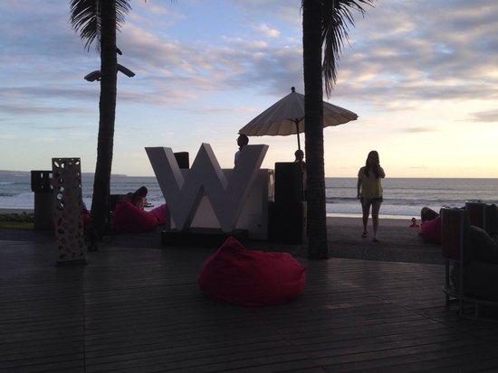 W Bali - Seminyak: Woobar at dusk....
