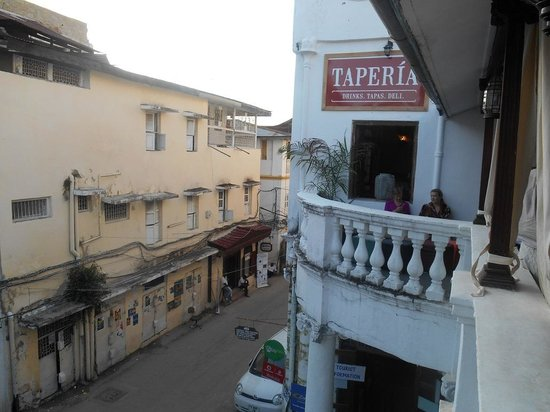 Tembo House  Hotel & Apartments: The Taperia on Kenyatta Rd