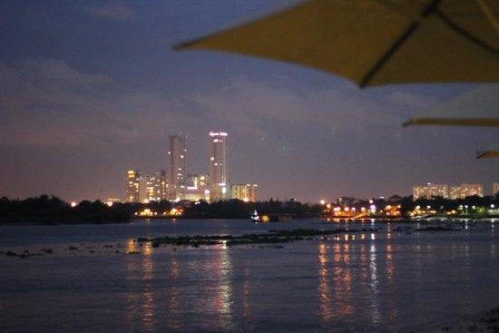 Villa Song Saigon : Night view