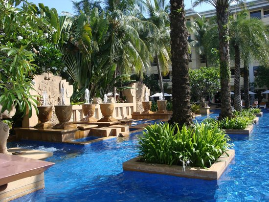 Holiday Inn Resort Phuket: Busakorn Pool