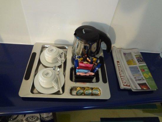 Dubai International Hotel : Free Coffee and Tea